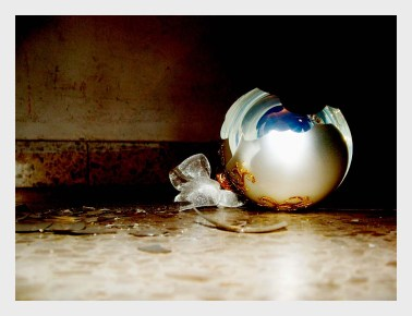 broken-christmas-ornament